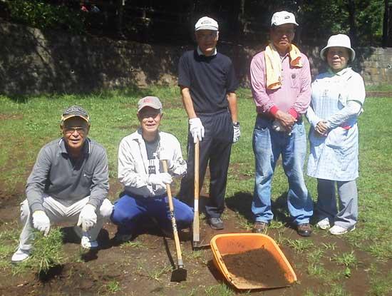 参加者5名:左から、佐藤(忠)さん、野口さん、川島さん、横田、小泉さん