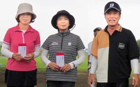 左から、3位:佐藤さん、優勝:小泉さん、準優勝:山田さん