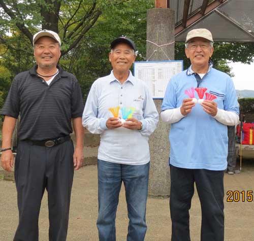 入賞者:右から、準優勝&ベスグロの伴さん、優勝の福田さん、3位の佐藤明さん