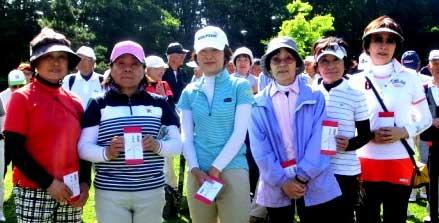 女子Bクラス左から二人目準優勝:小泉久美子さん