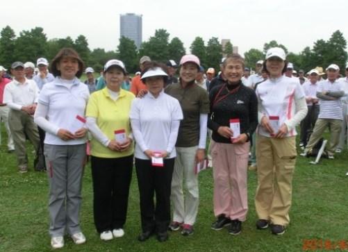 左から2人め 2位の伊藤美晴さん