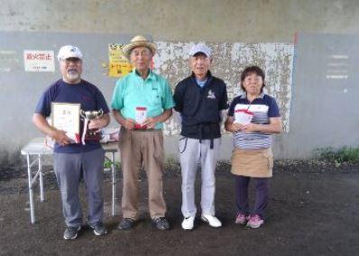 左から望月さん、小泉さん、五十嵐さん、小泉久美子さん