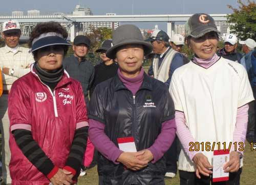 女子Cクラス入賞者 準優勝:小泉美智子さん(中央)