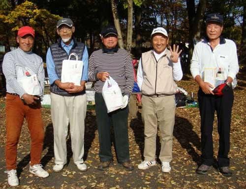 左から、準優勝:歌川 茂さん、優勝:高橋弘三さん、3位:斎藤庄平さん、4位:伊藤英彦さん、5位:黒沢好治さん