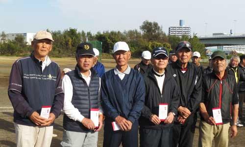 男子Sクラス 優勝:松山紀夫さん(左から一人目)
